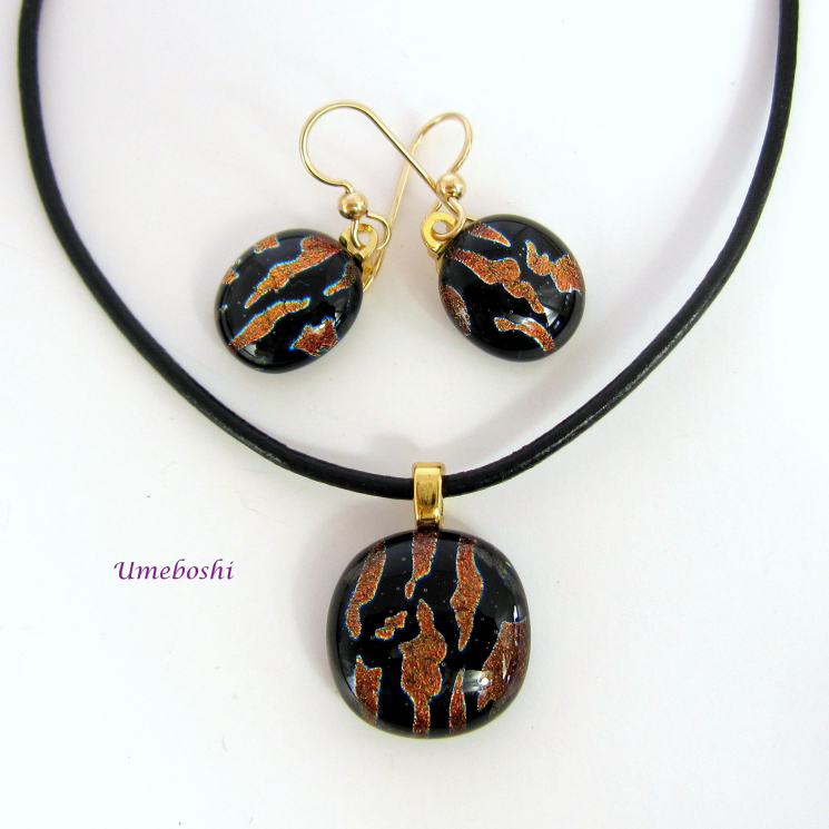 Umeboshi Dichroic Glass Jewelry Set in Black and Burgundy