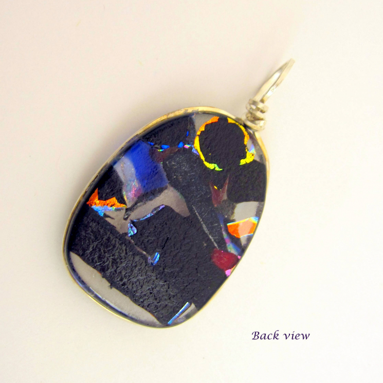 Back view of pendant