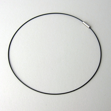 "15"" Black Wire Choker Necklace with Magnetic Closure"